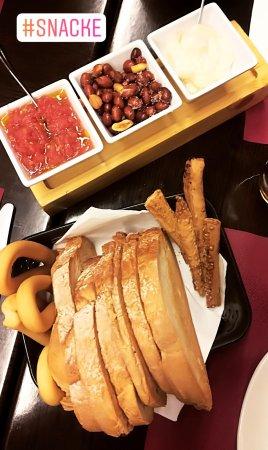 Restaurante restaurante la brujula en alicante con cocina for Cocinas alicante precios