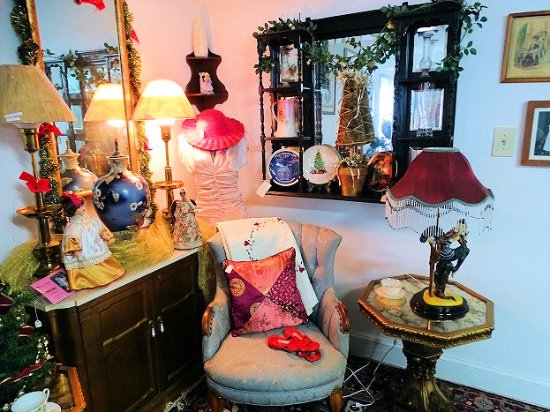 Memory Lane Antiques And Collectibles