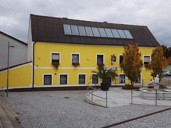 Bad Deutsch-Altenburg ภาพถ่าย