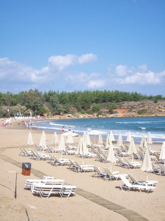 Daratsos, Grecia: Around the bay at Akti Beach