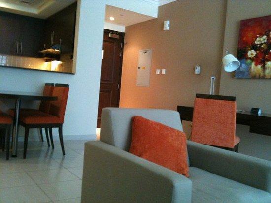 Abidos Hotel Apartment - Al Barsha: Lounge