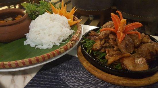 Essence Restaurant: 20171007_201941_large.jpg