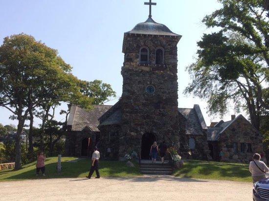 Saint Ann's Church: front view