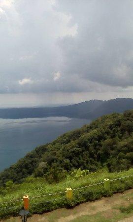 Mombacho Volcano: veiw of lake