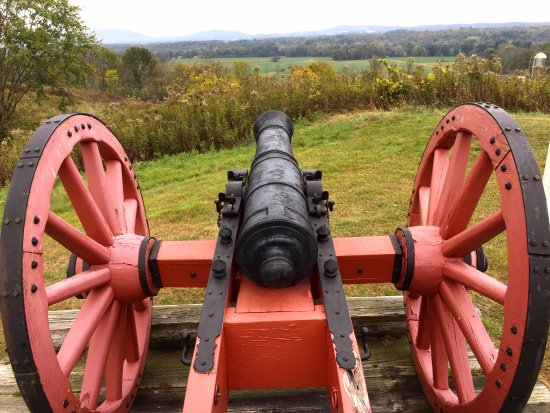 Stillwater, NY: America cannon overlooking the bluff guarding the road to Albany