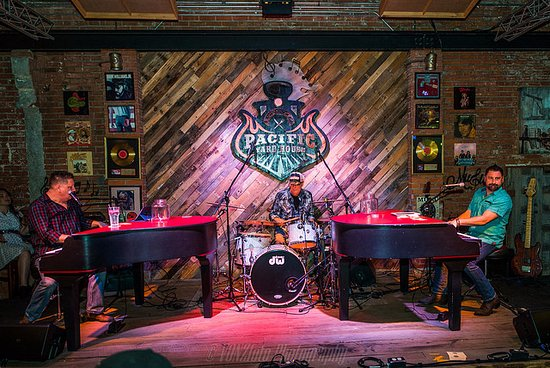 Conroe, TX: Large stage for our live, local entertainment every Friday and Saturday night!