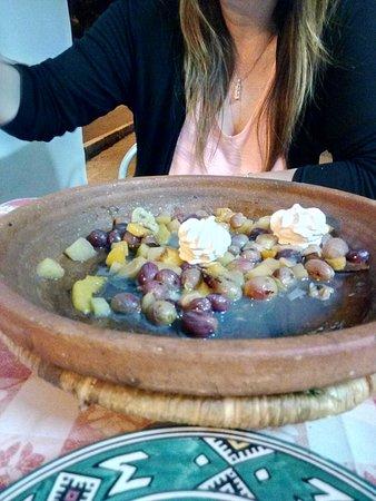 Chez hosni : Une Tajine aux fruits trop top!!