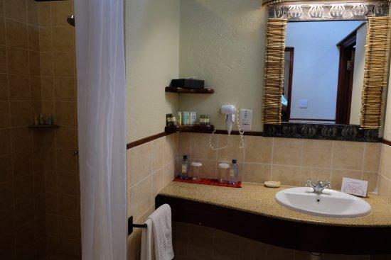 Sarova mara game camp updated 2017 prices resort all for Bathroom e pod mara