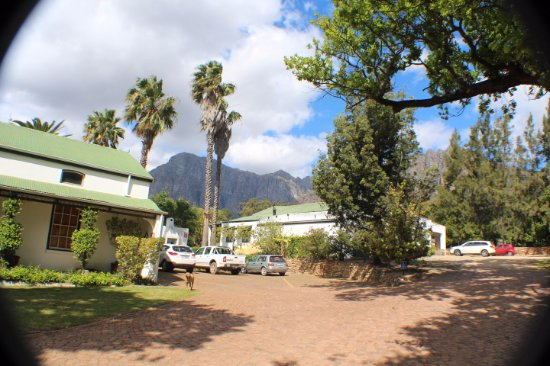Paarl, South Africa: ...the wineries surrounded by mountains