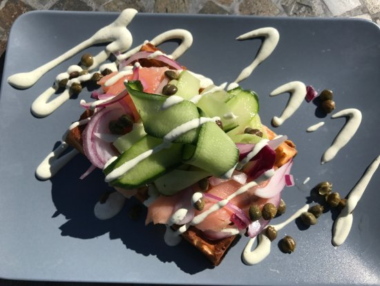 ‪‪Invermere‬, كندا: Brother 12 Waffle: Smoked Salmon, cucumber, capers, dill cream cheese sauce‬