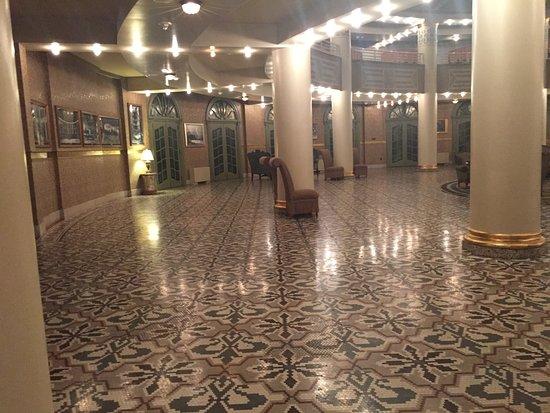 West Baden Springs, IN: Tile floor in main check-in desk area