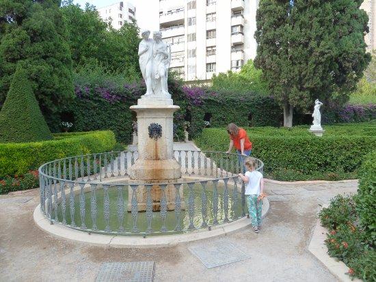 Picture of jardines de monforte valencia tripadvisor for Jardines de monforte valencia