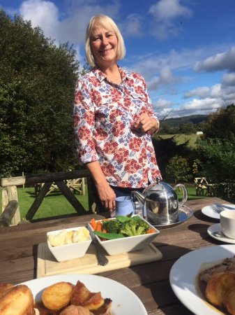 Coxwold, UK: This is Sue who owns the Fauconberg Arms and is a perfect host!