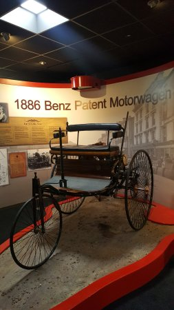 Sparkford, UK: Replica of the 1886 Benz Patent Motorwagen