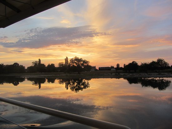 Saint-Jean-de-Losne, França: Wonderful sunsets