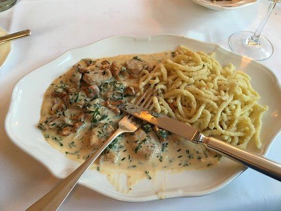 Bad Wimpfen, Germania: spaetzele and pfifferlinge in a cream sauce