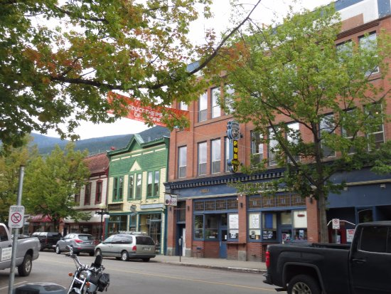 Nelson, Canada: some of the shops along Baker St