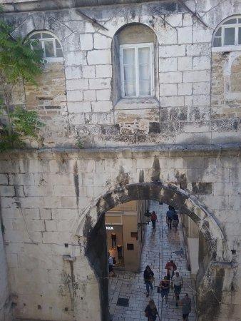 Split-Dalmatia County, كرواتيا: Palais de Diocletien