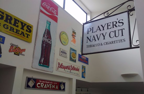 Fairlie, Nouvelle-Zélande : Signs.
