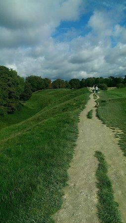 Avebury, UK : Walking Path
