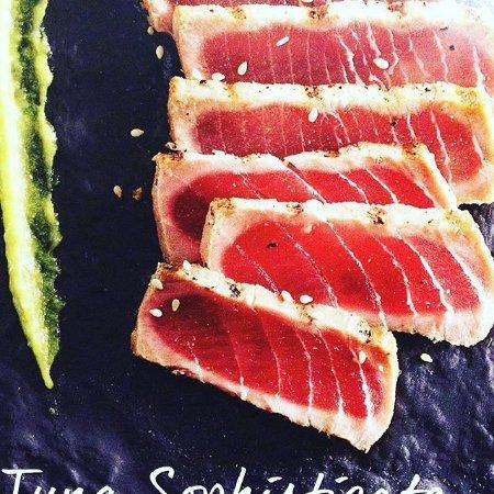 Camden, TN: Seared Ahi Tuna Appitizer