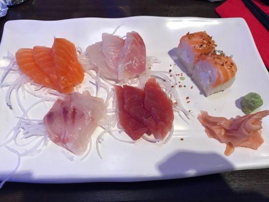 Mantes-la-Jolie, Γαλλία: Sashimi frais et légers, un régal !