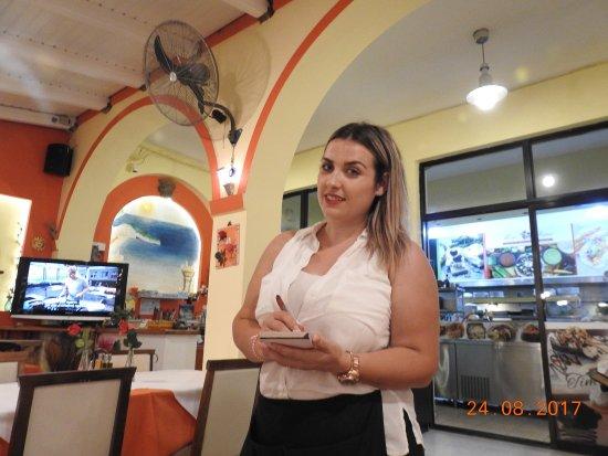 Wine & Roses Restaurant: photo2.jpg