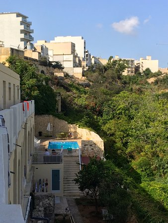 San Gwann, Malta: Vue sur piscine