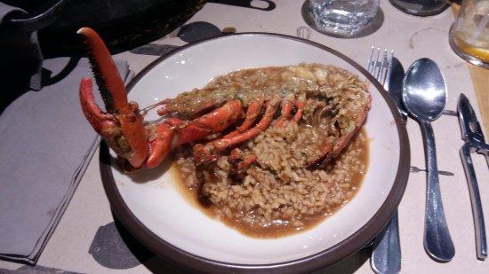 Photo of Seafood Restaurant Pez Vela Chiringuito at Paseo Del Mare Nostrum 19/21, Barcelona 08039, Spain