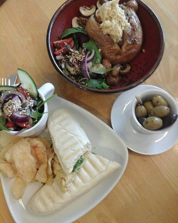 Our yummy lunch at Grassroots cafe - all vegan!