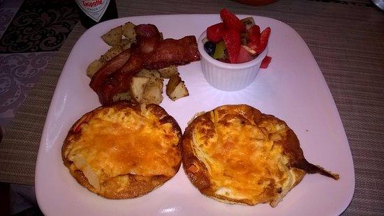 Hochelaga Inn: Breakfast Day 2