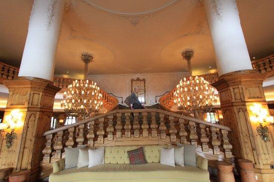 Interalpen-Hotel Tyrol: Eingangshalle