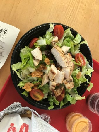 Wellington, FL: CRISPY CHICKEN SALAD