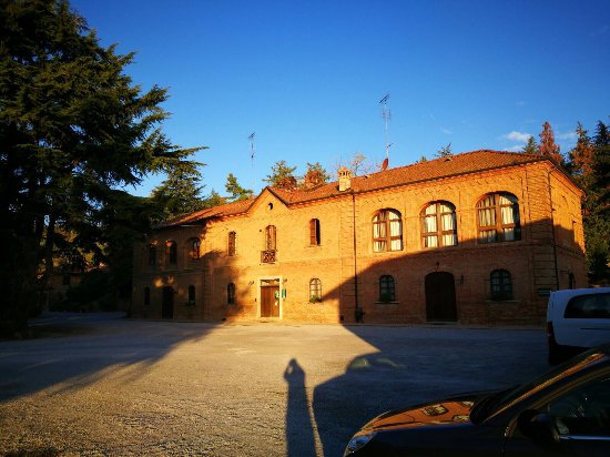 Santa Vittoria d'Alba, Italia: photo2.jpg