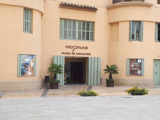 Museu Miniatures i Microminiatures Besalu