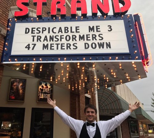 Jesup, GA: Historic Strand Dinner Cinema