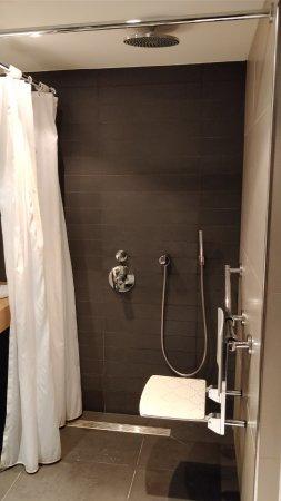 Sofitel Brussels Le Louise: Photo salle de bain