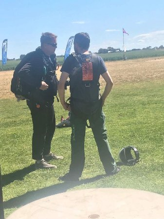 Adelaide Tandem Skydiving: Eric the instructor