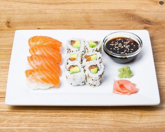 Kremlin Bicetre, Prancis: Sushi et Maki!