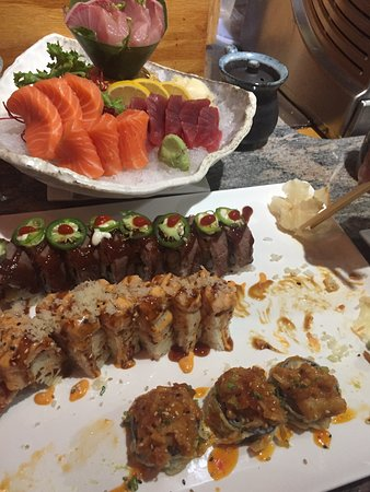 Naugatuck, Κονέκτικατ: yummm another Sushi night at Tomo