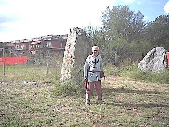 Cavaglià, Italia: Io col mehir