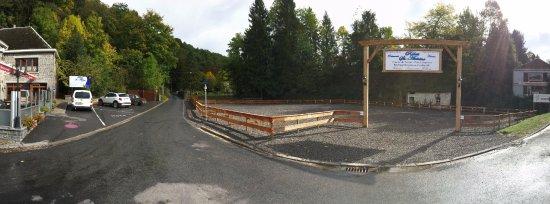 Relais St. Antoine: Nos nouveaux aménagements de parking pour un confort accru