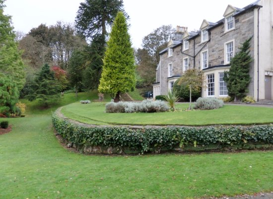 Kilsyth, UK: Colzium House and ha-ha