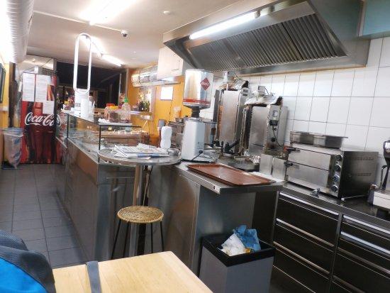 Hammer Service sogar mit Apple Pay - Picture of La Sofra Fine Food