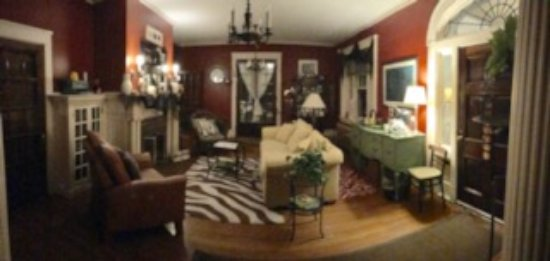 Mount Joy, Pensylwania: A panoramic view of the living room area.
