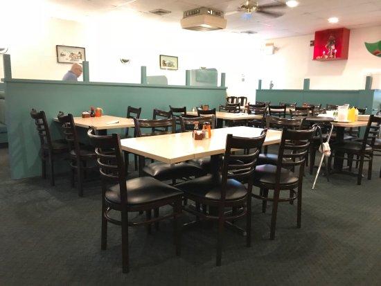 Canton, MI: Dining area