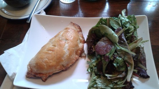 The Pie Plate: Chicken pis with salad