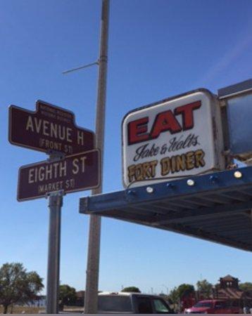 Fort Madison, IA: Address on the corner