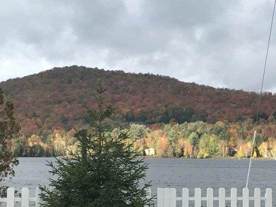 Saranac Lake, Nova York: The view from the restaurant.