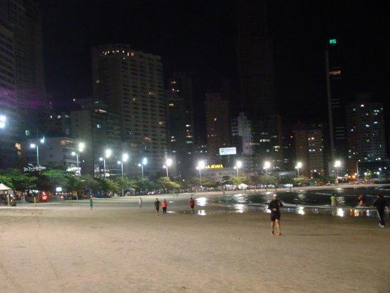 Resultado de imagem para Noite em Balneario Camboriu